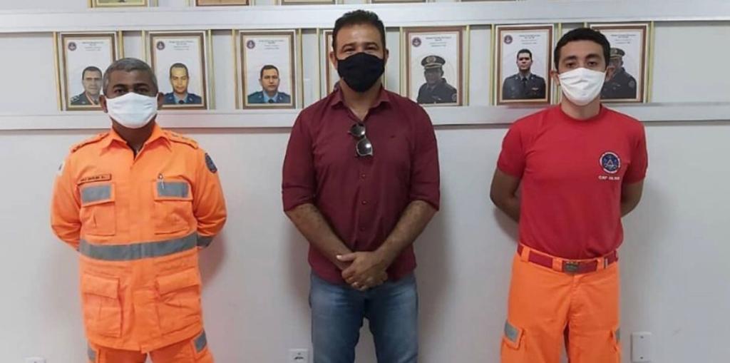 Bombeiros são vacinados contra Covid-19 em Montes Claros
